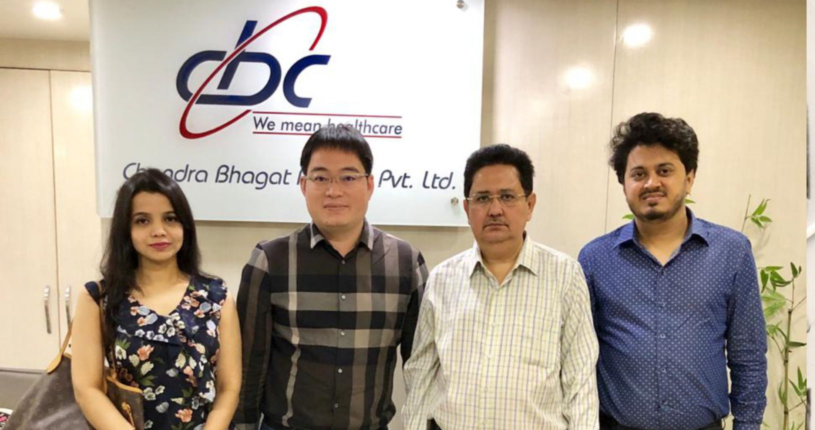 Mr. Hemant Bhagat, Mr. Pranav Bhagat & Ms. Prachi Bhagat with Mr. Vinson Managing Director Xiamen Runchneg Pharma China
