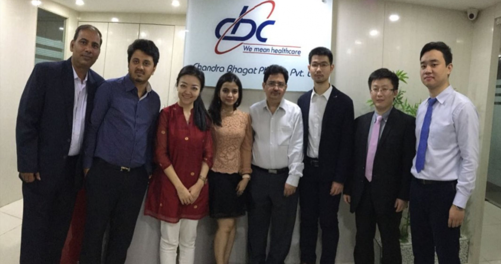 Mr. Pranav Bhagat & Mrs. Prachi Bhagat with Mr. Alan Founder Sinopharm India & Sinopharm China Team